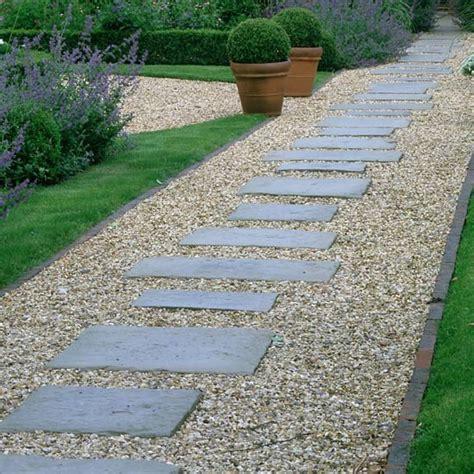 paving and gravel garden ideas 16 id 233 es et astuces pour am 233 nagement de jardin moderne