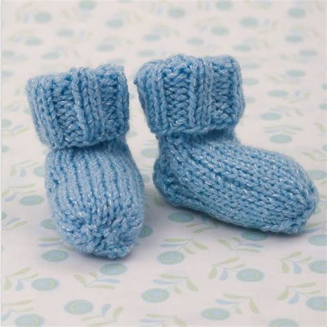 knit baby booties shimmery simple knit baby booties allfreeknitting