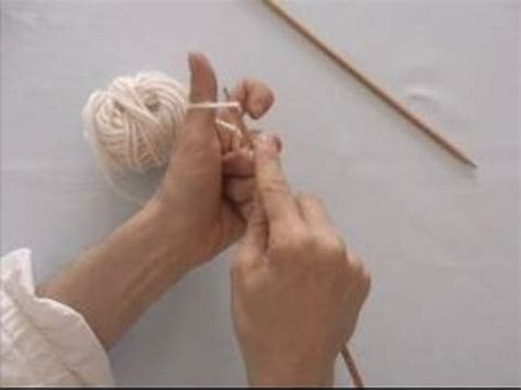 cast on knit basic knitting tips techniques how to cast on knitting
