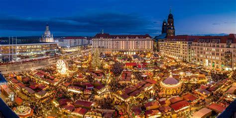 weihnachtsbaum dresden dresden striezelmarkt market saxony germany