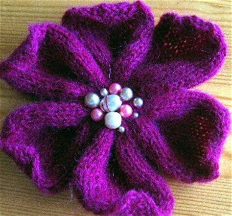 free knitted flower brooch patterns knitting pattern for flower brooches designs patterns