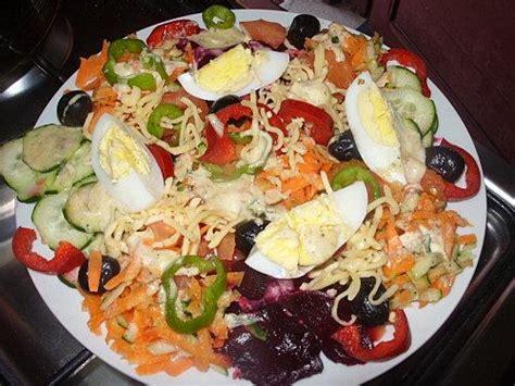 tajine aux tomates oeufs et olives et sa salade vari 233 e paperblog