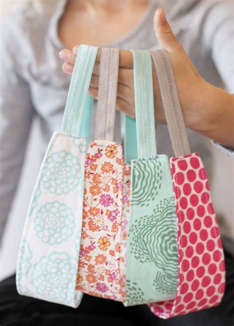 easy sewing crafts for 30 easy adorable sewing projects for beginners