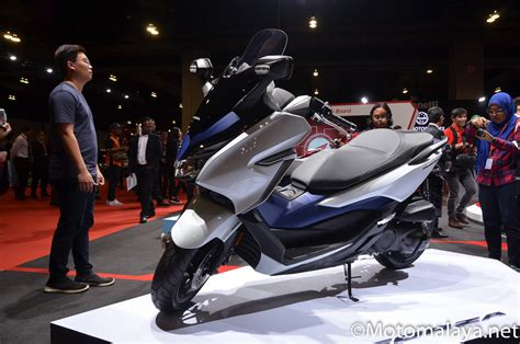 Pcx 2018 Warna Terlaris by Motomalaya Boon Siew Honda Lancarkan Honda Pcx Hybrid