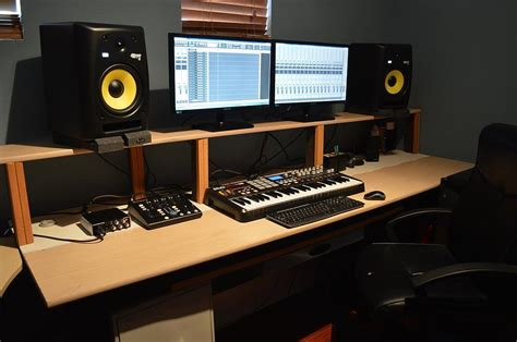 studio monitors on desk output favorites studio monitors output