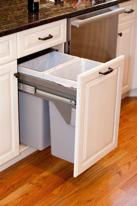 kitchen cabinet garbage can best 25 kitchen trash cans ideas on cabinet