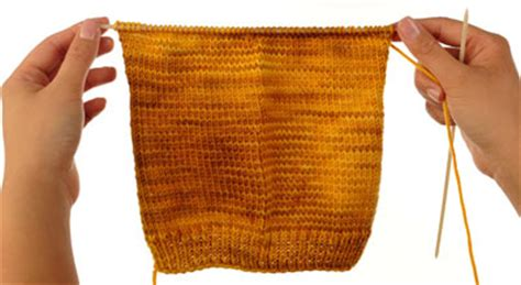 knitting stitches that lie flat cast on and knit the cuff and leg dummies