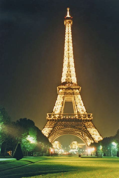 home of the eifell tower pics eiffel tower