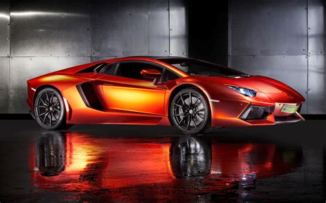10 Lamborghini Supercars Wallpapers   High Resolution