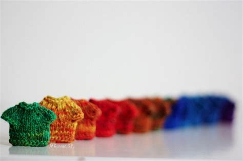 tiny knitted things 58 tiny things