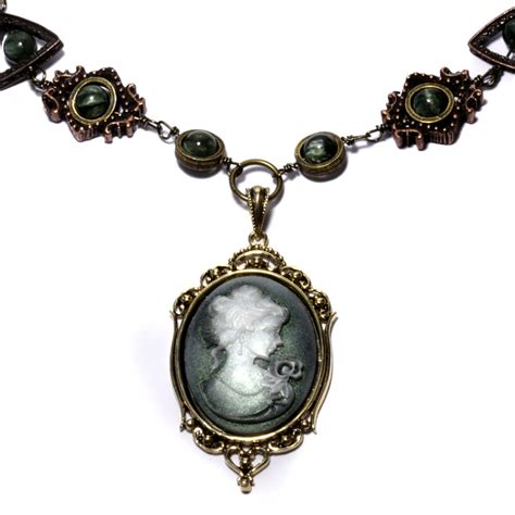 Chelsea S Style Tips Cameo Necklaces
