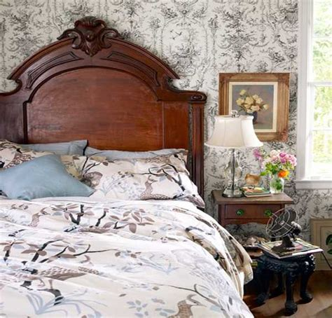 antique looking bedroom furniture 20 charming bedroom decorating ideas in vintage style
