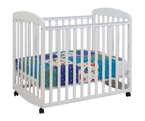 rocking baby cribs davinci alpha mini rocking baby crib in white m0598w