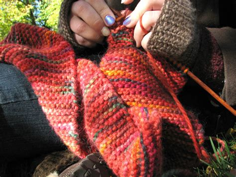 easy things to knit the magic of a plain garter stitch scarf knitfreedom