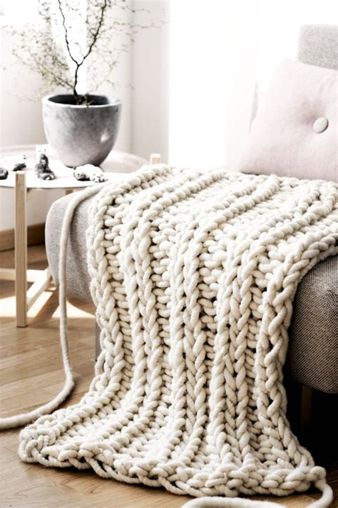 knitting a big blanket the oversized chunky knit throw blanket glitter
