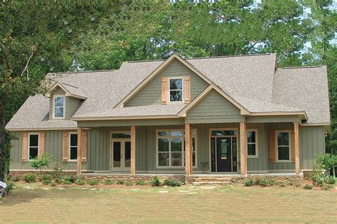 farmhouse style house farmhouse style house plan 4 beds 3 baths 2565 sq ft
