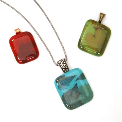 jewelry projects free autumn leaves jewelry project guide fusing delphi glass