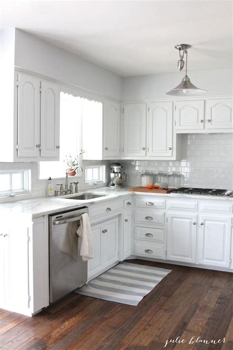15 white small kitchen designs and decorating ideas 25 best ideas about small white kitchens on