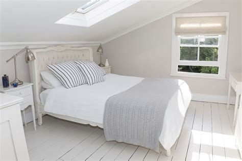 organize small bedroom how to organize your small bedroom