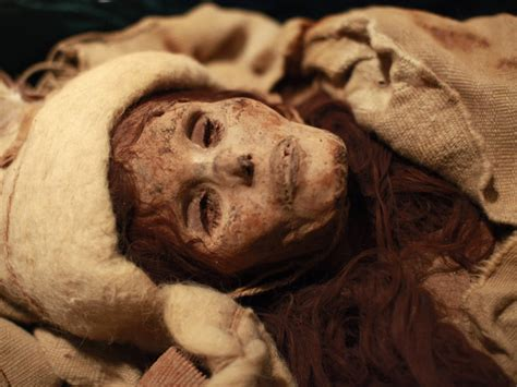18 unbelievably alive dead people who will scare you silly