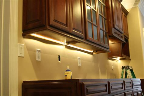 the counter lighting for kitchen cabinet lighting options designwalls