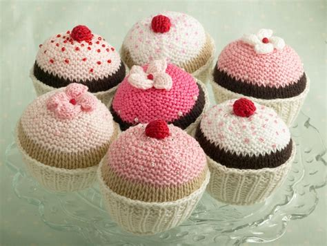 cake knitting patterns the homely place knitted cupcakes