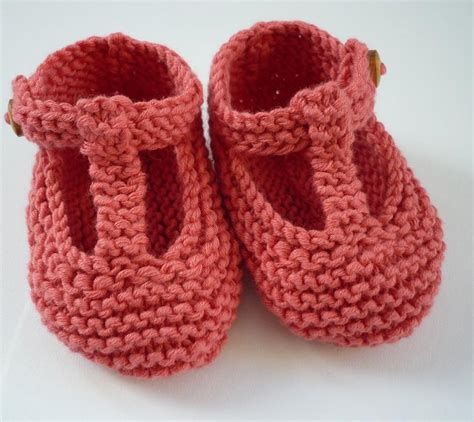 knitted baby sandals free pattern quinn t bar style baby shoes knitting pattern by julie