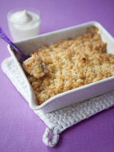 crumble a la rhubarbe et aux pommes recipe cuisine and desserts