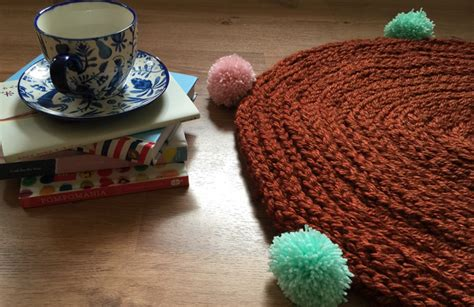 finger knitting rug make this finger knit a snug rug