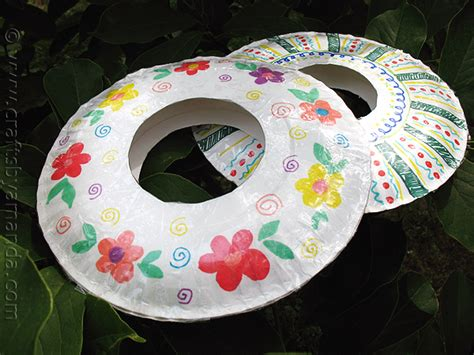 craft using paper paper plate frisbees crafts by amanda