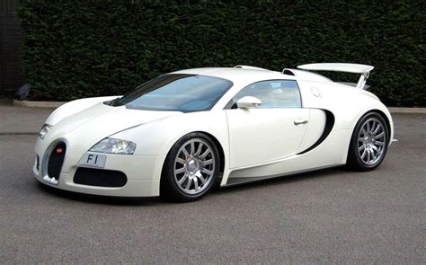 Bugati Veron by Raimu Awas Kesikot Bugatti Veyron White