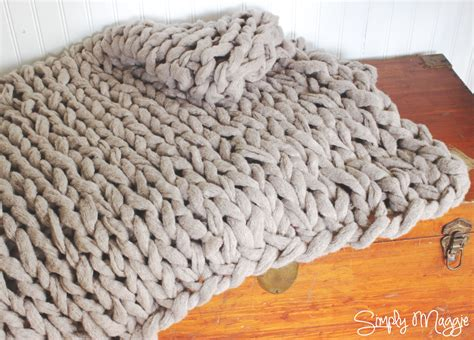 how to knit a blanket how to arm knit a blanket in 45 minutes with simply maggie