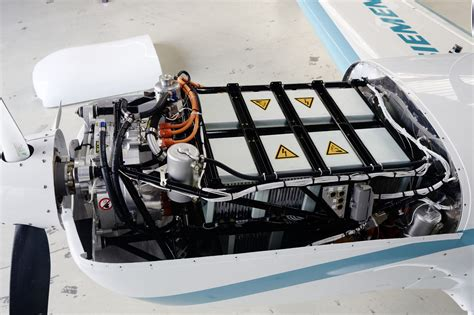 Electric Plane Motor by Siemens Demonstrates Electric Motor For Aircrafts 260 Kw