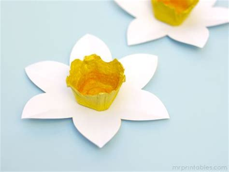 daffodil rubber st 17 best ideas about daffodil craft on march