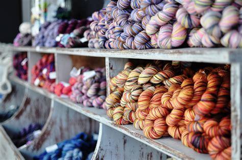 knitting shops knittingtherapy la maison rililie