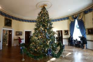 here s how the white house was decorated ahead of the annual theproperdate