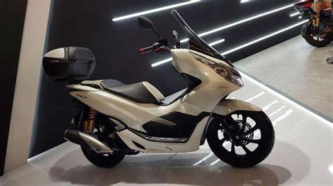 Pcx 2018 Tak Belakang by Contoh Modifikasi Honda Pcx 150 Keren Informasi Otomotif