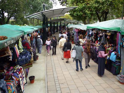 craft market file craft market in parque el ejido quito ecuador jpg