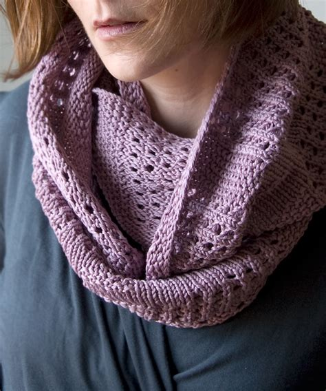 free knitting patterns for cowls canaletto cowl tricksy knitter by megan goodacre