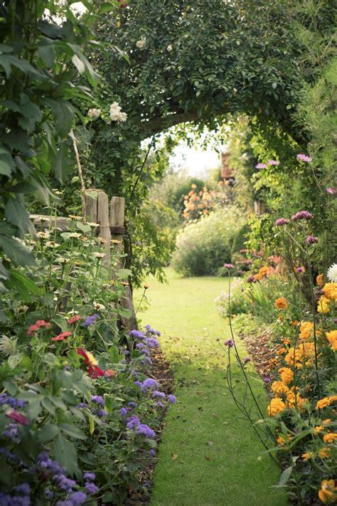 secret garden flowers best 25 garden archway ideas on garden arches