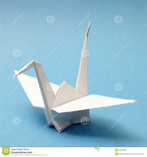 origami schwan origami schwan lizenzfreie stockfotos bild 28540098