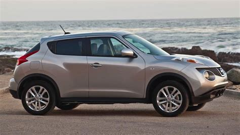 2011 Nissan Juke Sv by 2011 Nissan Juke Sv Review Notes Funky And Helps