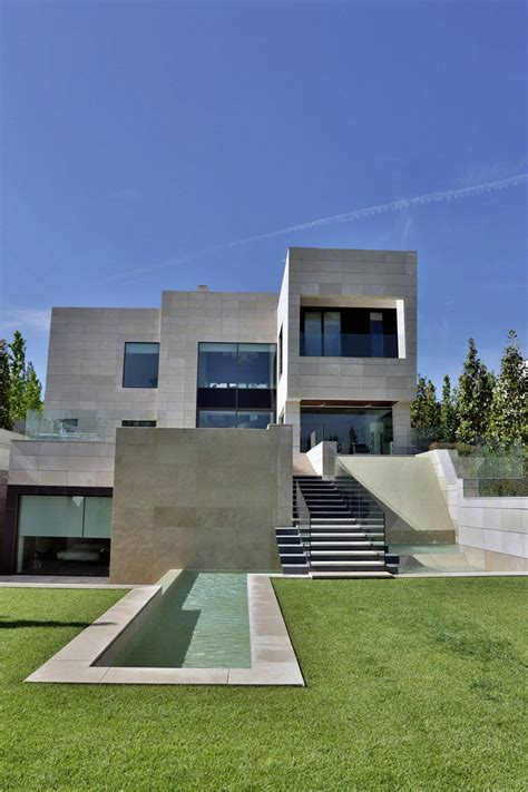 five bedroom house the modern five bedroom house in madrid