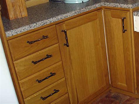 kitchen cabinet knob placement 28 kitchen cabinet door knob placement kitchen