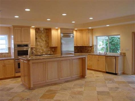 paint colors for kitchens maple cabinets kitchen color schemes with maple cabinets maple kitchen