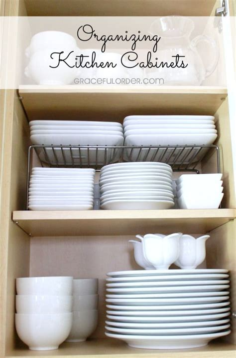 how to organize kitchen cabinets and drawers best 25 organizing kitchen cabinets ideas on