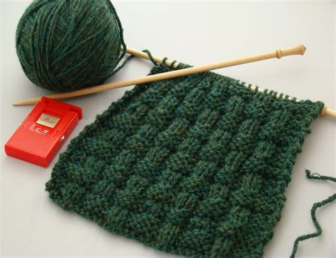 for beginners knitting starting easy knitting for beginners crochet and knit