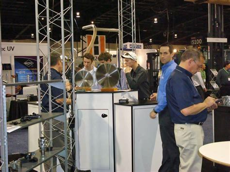 canadian woodworker supply at wms canadian woodworking market flexes its muscles