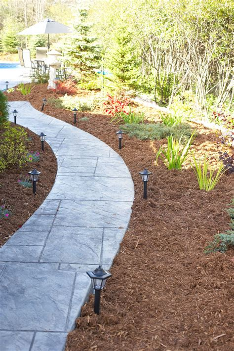 types of pathways in landscaping best mulch types choosing the right mulch for a garden
