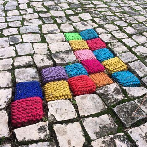 guerilla knitting patterns the 25 best ideas about yarn bombing on knit